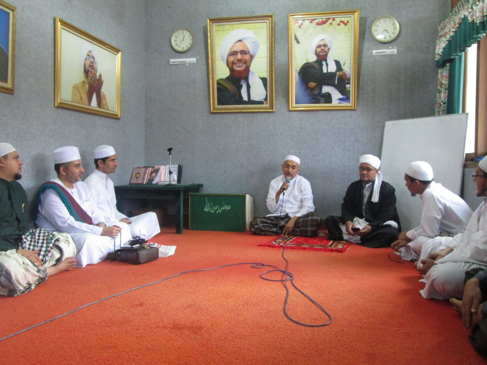 Keputusan Guru Mulia Habibana Umar bin Hafizh Tentang Majelis Rasulullah SAW